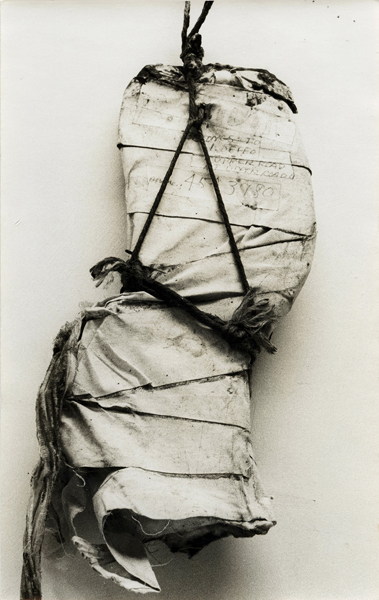 Jay DeFeo, Untitled (R. Mutt's cast), 1973