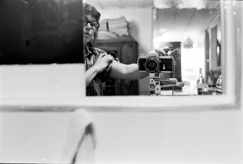 In Dialogue: Through Jay DeFeo's Lens